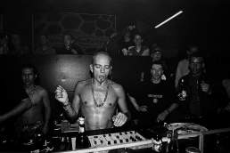 Techno im Warehouse Club Cologne. DJ Sven Väth 1994, Fotografiert in Köln