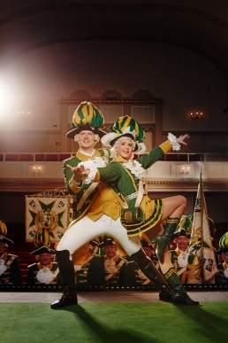 Tanzpaar der Ehrengarde der Stadt Köln.portraitfoto im Millowitsch Theater in der Kölner Innenstadt