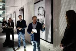 Meinungsbilder Vernissage Innside Düsseldorf mit Professor Dietrich Grönemeyer