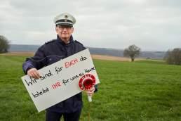 Wir sind für EUCH da by Rettungskräfte aus der Region Köln im Portrait von Valery Kloubert